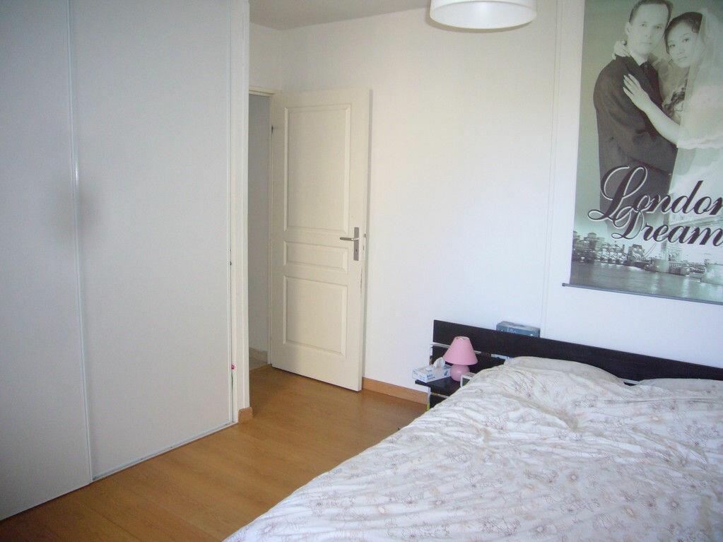 Achat Appartement 4 pièces à Saint-Cyr-sur-Mer - vignette-4