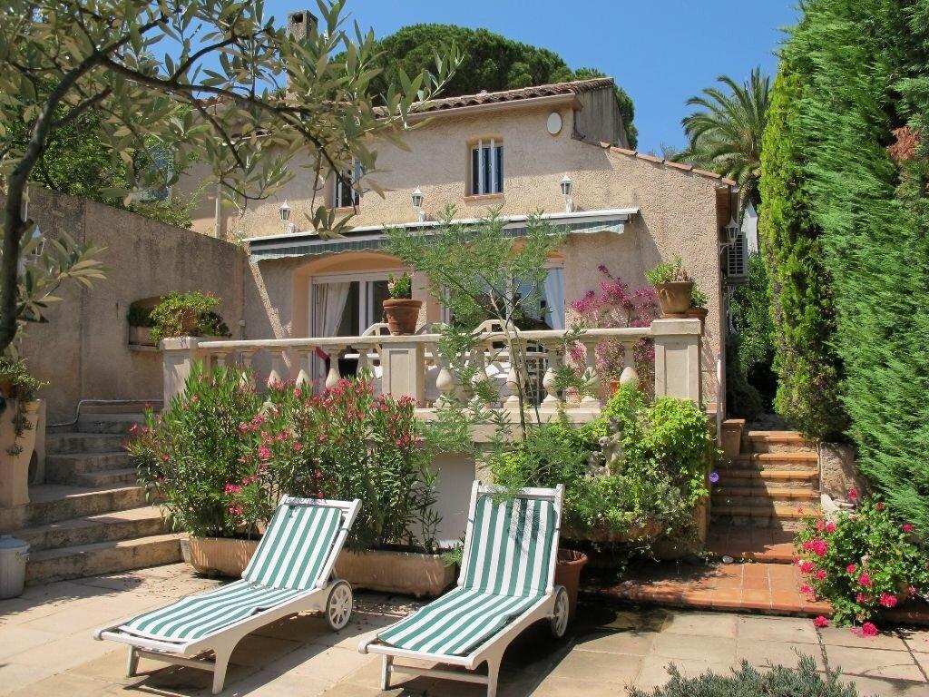 Achat Maison 5 pièces à Saint-Cyr-sur-Mer - vignette-1
