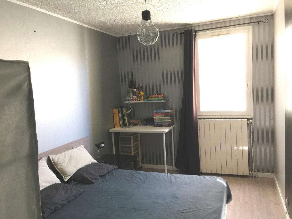 Achat Appartement 3 pièces à Saint-Cyr-sur-Mer - vignette-4