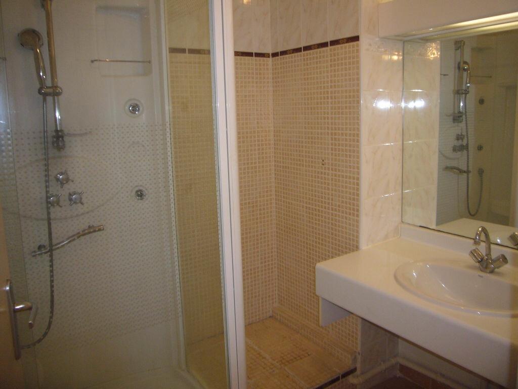 Achat Appartement 3 pièces à Saint-Cyr-sur-Mer - vignette-5