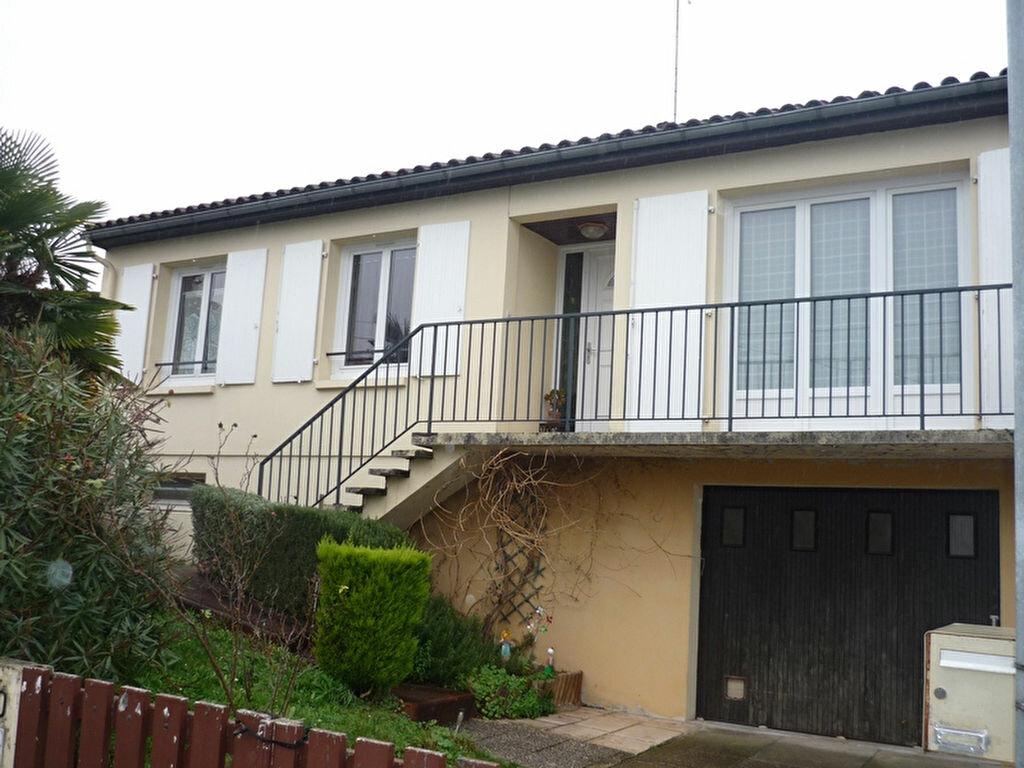 Achat Maison 4 pièces à Saint-Michel - vignette-1
