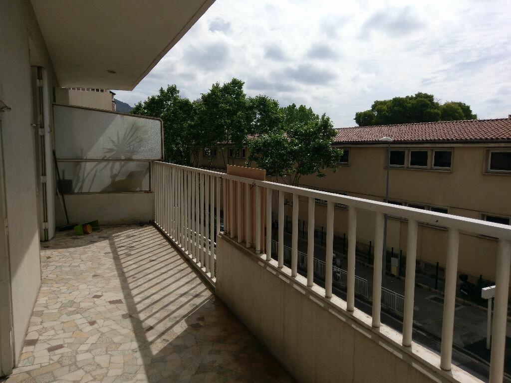 Achat Appartement 3 pièces à Toulon - vignette-7