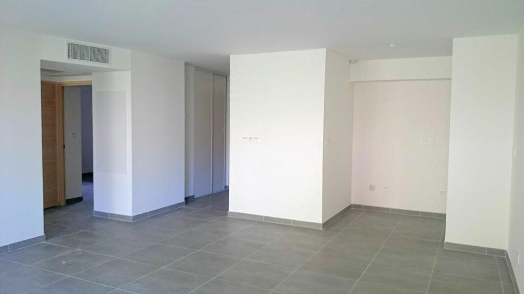 Achat Appartement 3 pièces à Carqueiranne - vignette-1