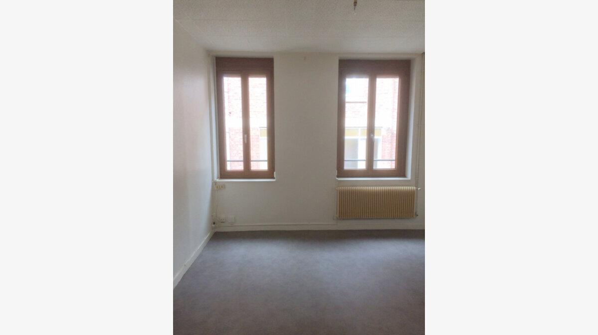 Location Appartement 3 pièces à La Madeleine - vignette-2