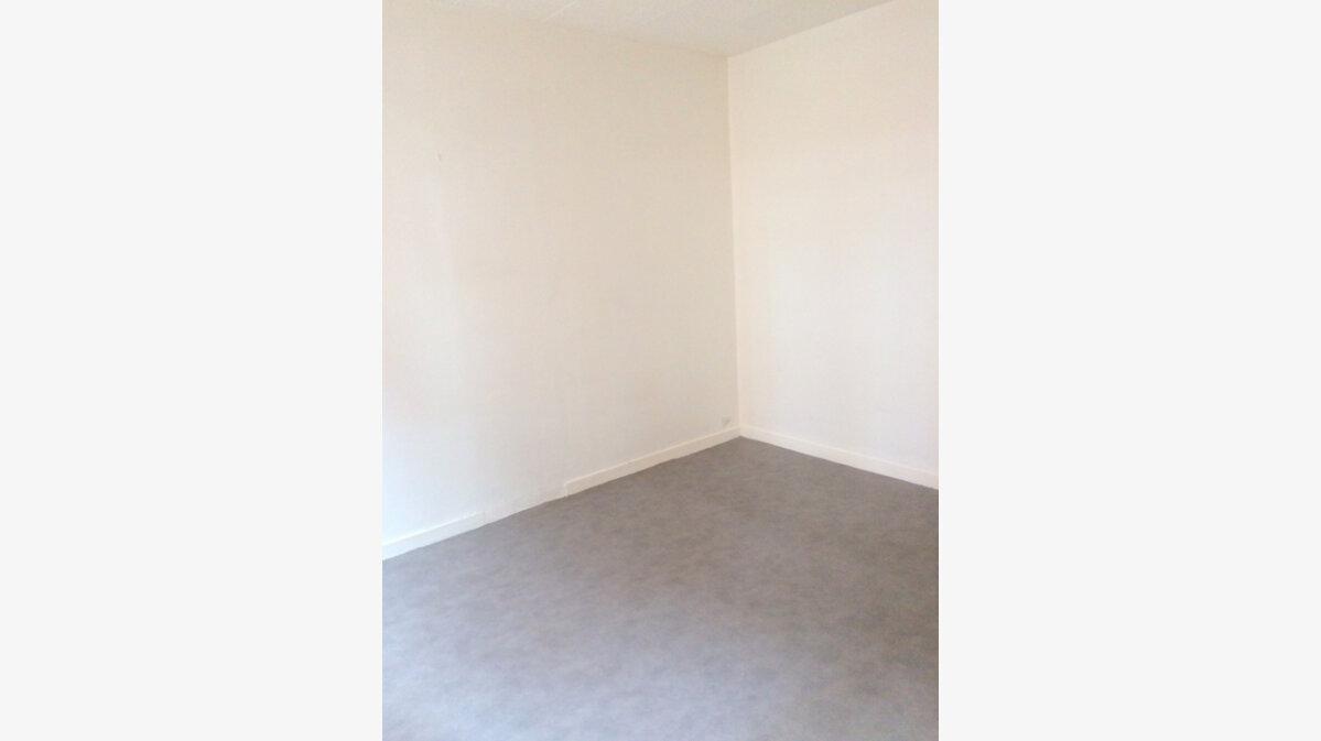 Location Appartement 3 pièces à La Madeleine - vignette-3