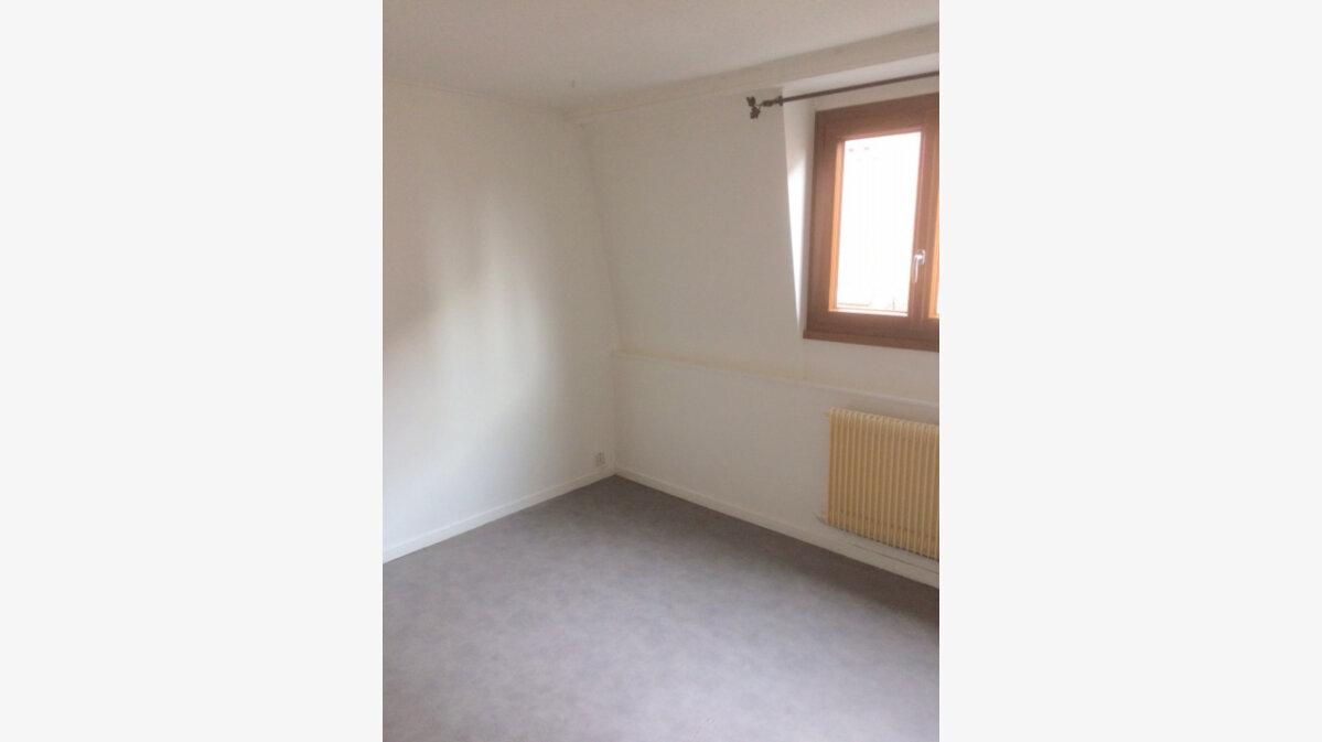 Location Appartement 3 pièces à La Madeleine - vignette-5