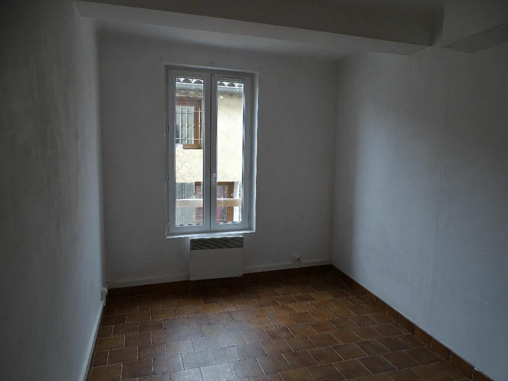 Location Appartement 4 pièces à La Tour-d'Aigues - vignette-3
