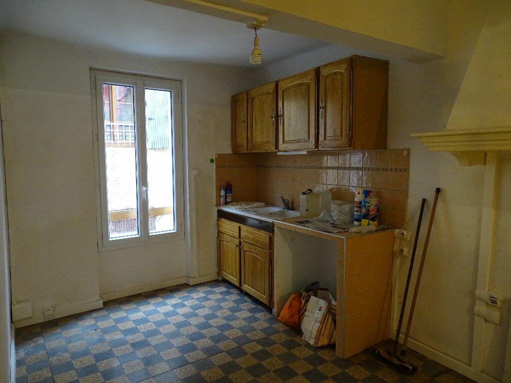 Location Appartement 4 pièces à La Tour-d'Aigues - vignette-4