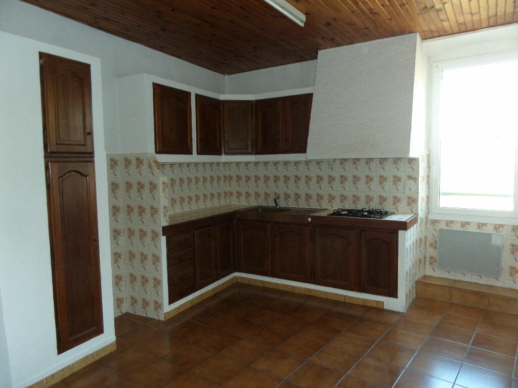 Location Appartement 3 pièces à Cadenet - vignette-1
