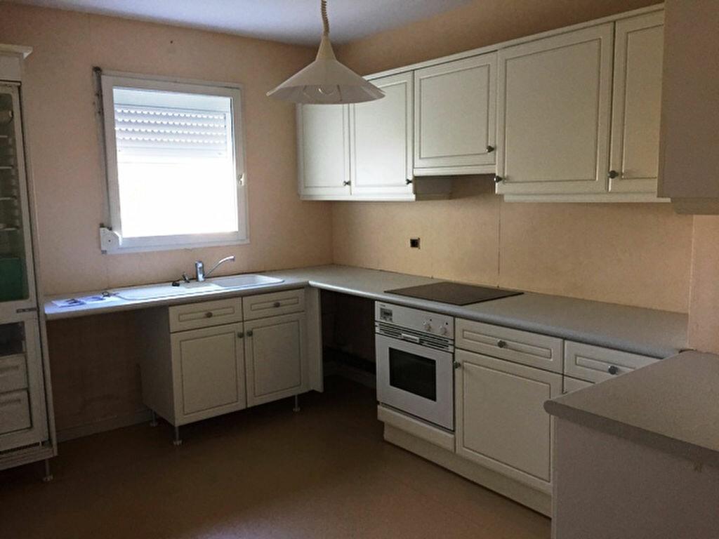 Location Appartement 5 pièces à Compiègne - vignette-1