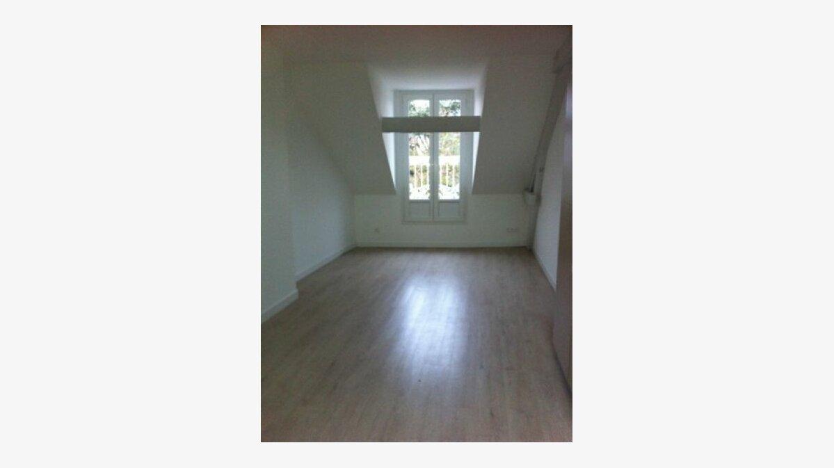 Location Appartement 3 pièces à Roye - vignette-2