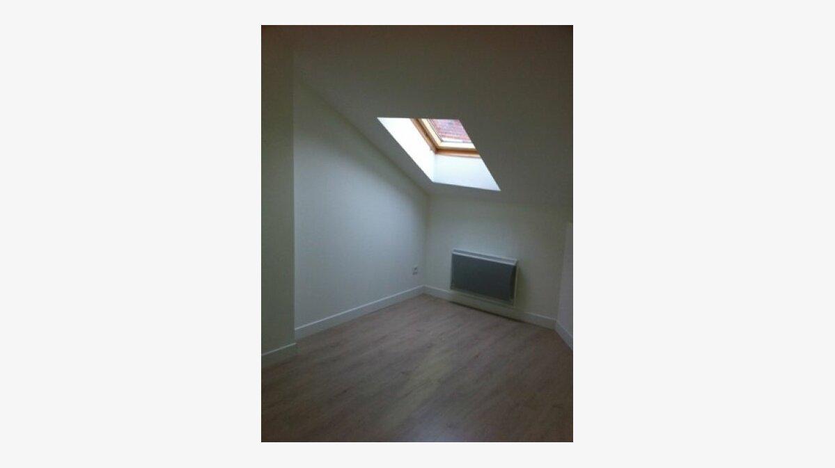 Location Appartement 3 pièces à Roye - vignette-3