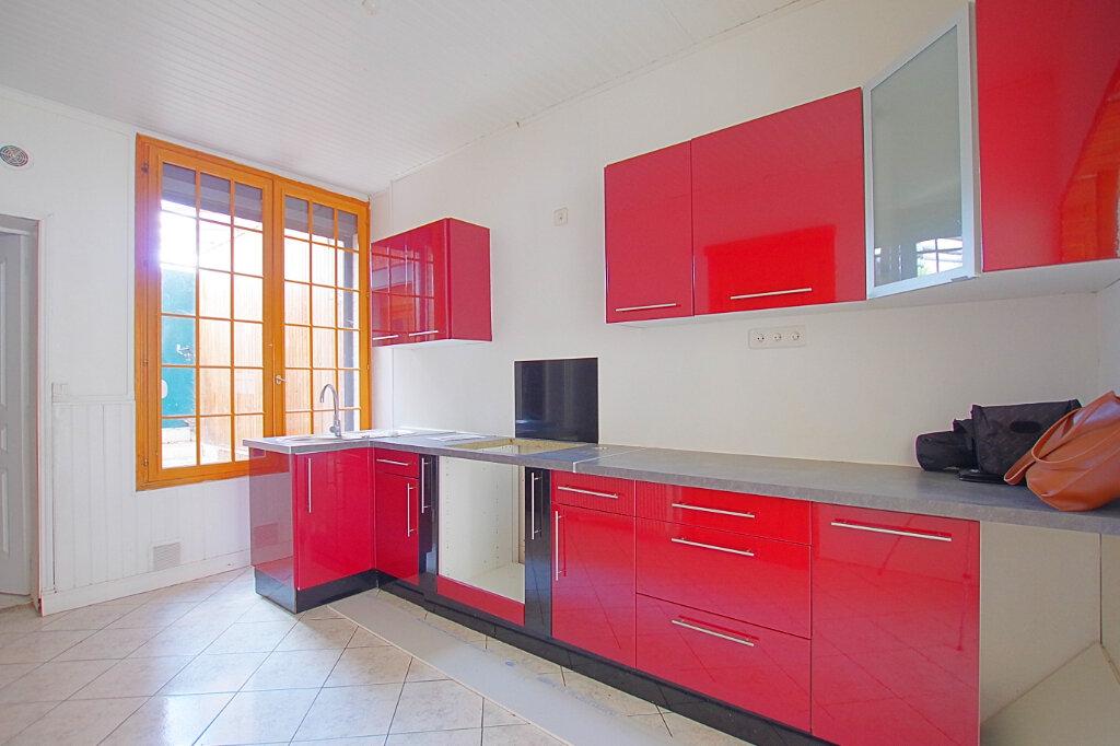 Location Maison 4 pièces à Roye - vignette-2