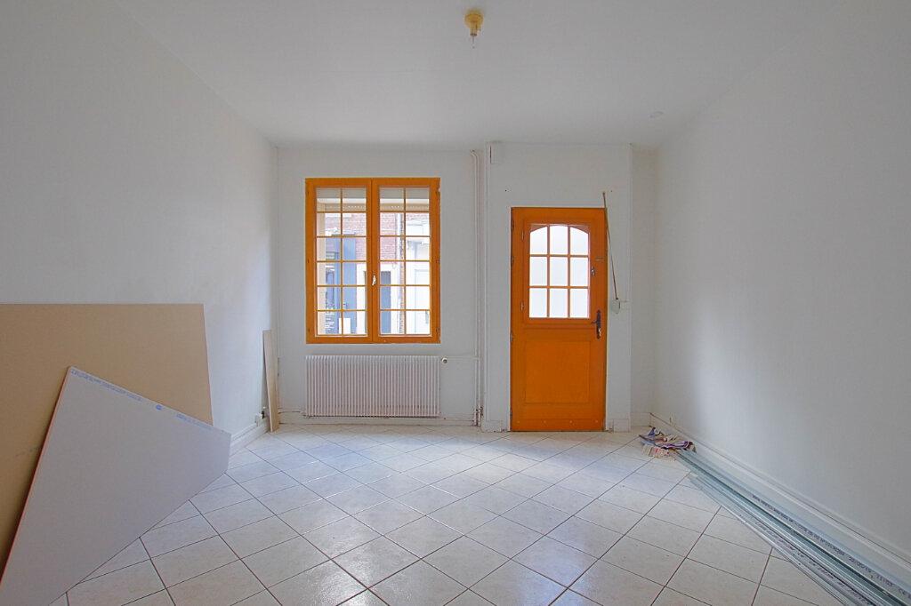 Location Maison 4 pièces à Roye - vignette-4