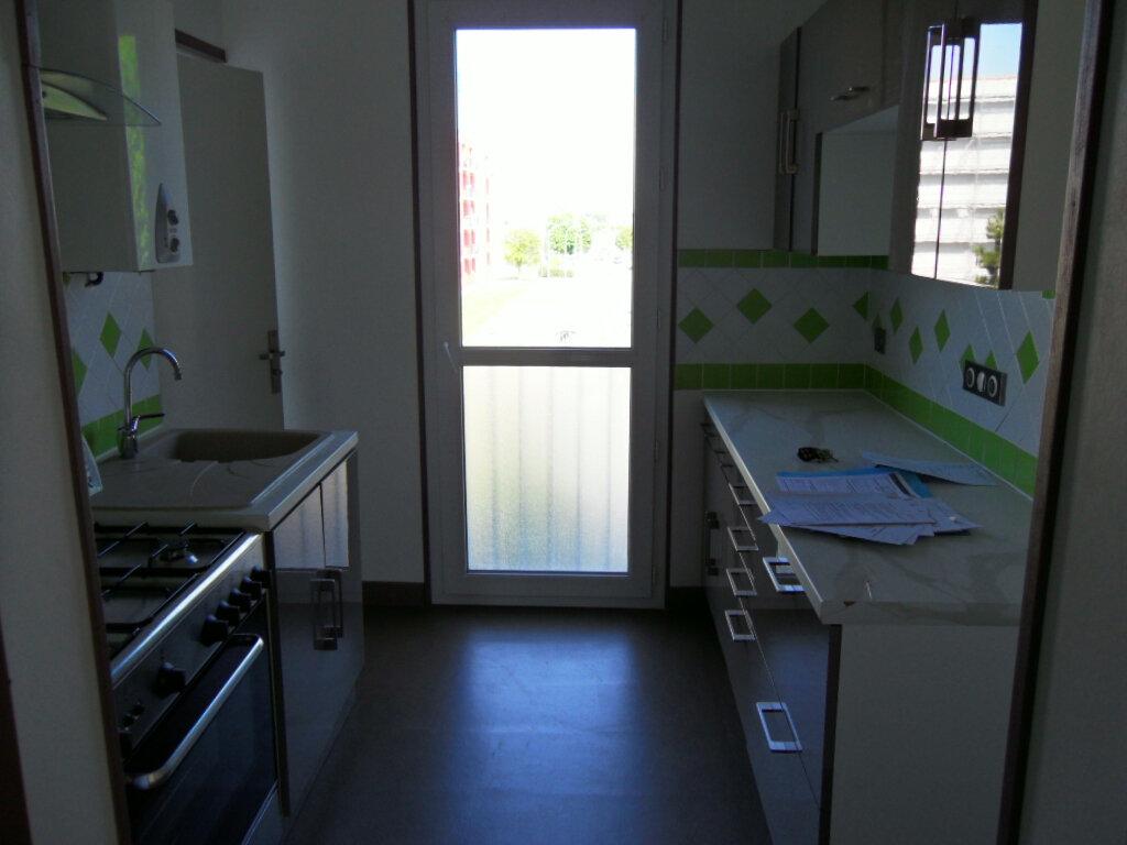 Achat Appartement 3 pièces à Noyon - vignette-2