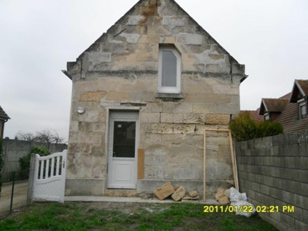 Location Maison 3 pièces à Le Plessis-Brion - vignette-1