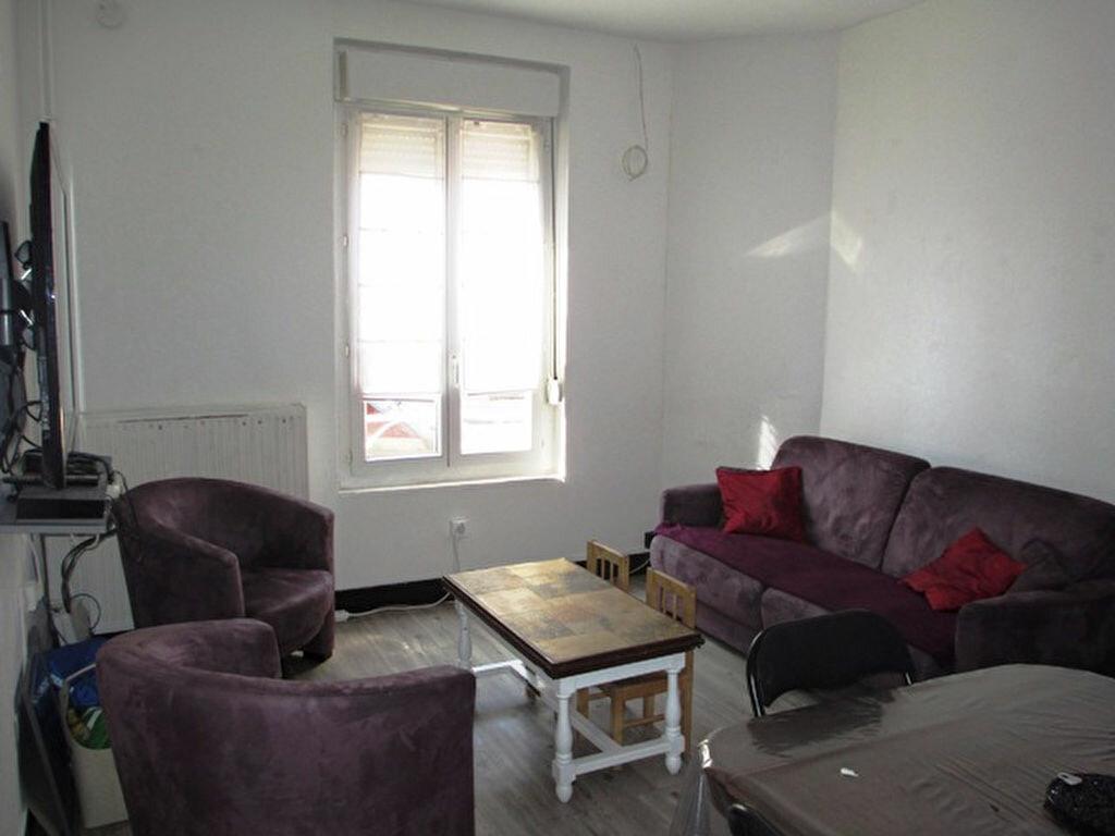 Location Appartement 3 pièces à Noyon - vignette-1