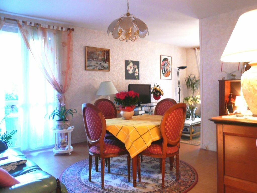 Achat Appartement 4 pièces à Chantilly - vignette-1