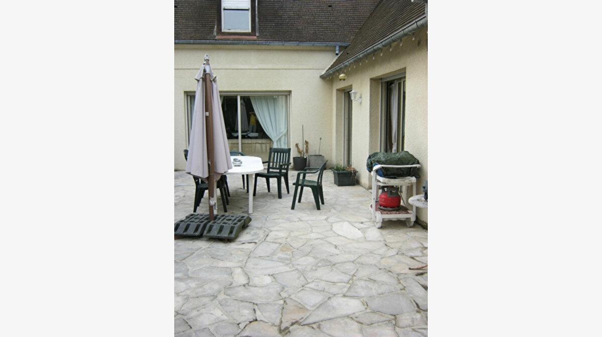 Achat Maison 7 pièces à Chantilly - vignette-1