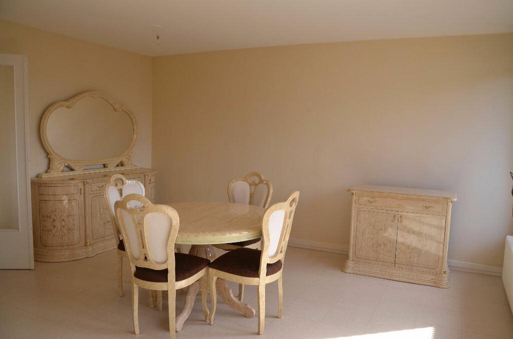 Achat Appartement 5 pièces à Survilliers - vignette-2