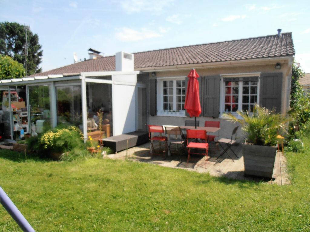 Achat Maison 5 pièces à Belloy-en-France - vignette-1