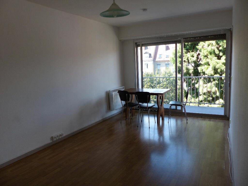 Location Appartement 1 pièce à Mulhouse - vignette-1