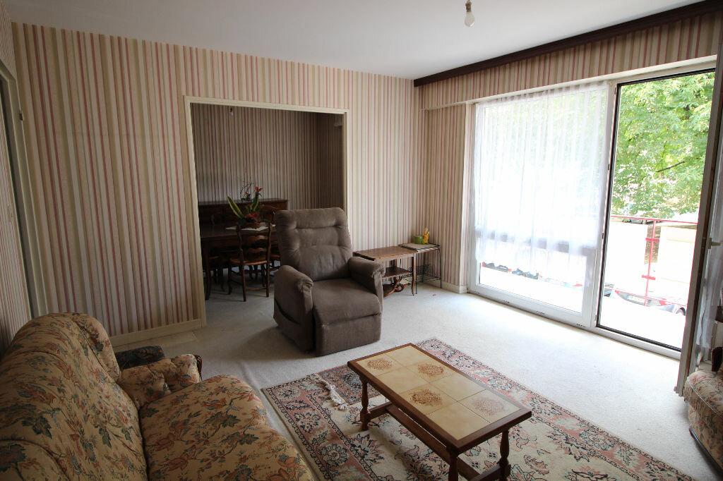 Achat Appartement 4 pièces à Illzach - vignette-2