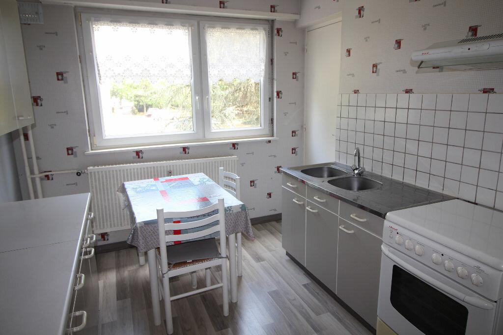 Achat Appartement 4 pièces à Illzach - vignette-3