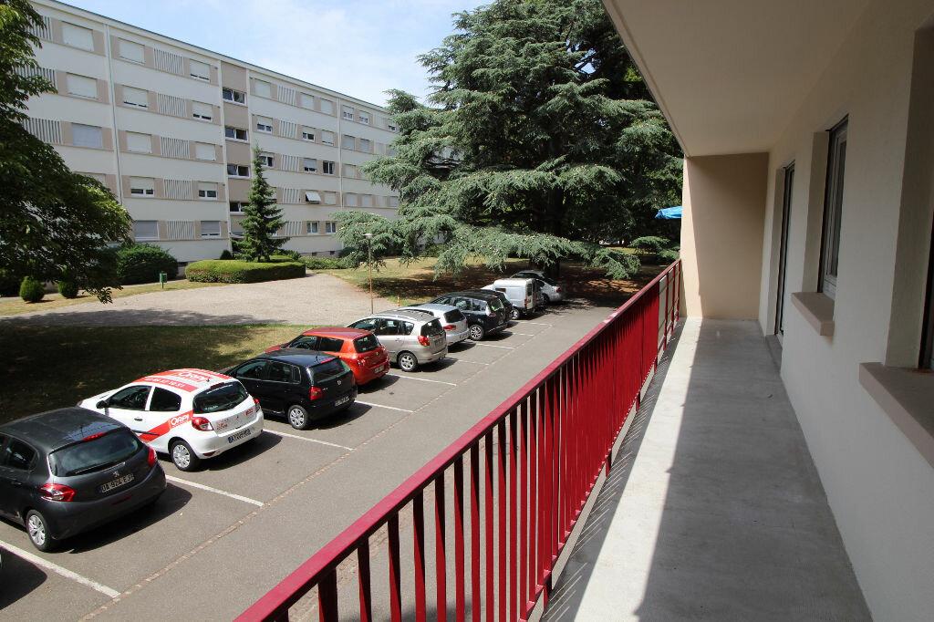 Achat Appartement 4 pièces à Illzach - vignette-4