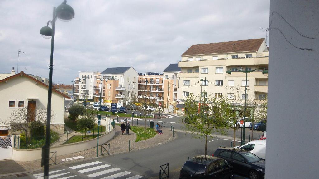 Location Appartement 3 pièces à Melun - vignette-1