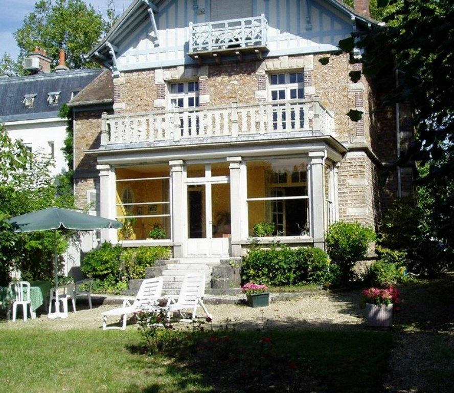 Location Appartement 1 pièce à Dammarie-les-Lys - vignette-1