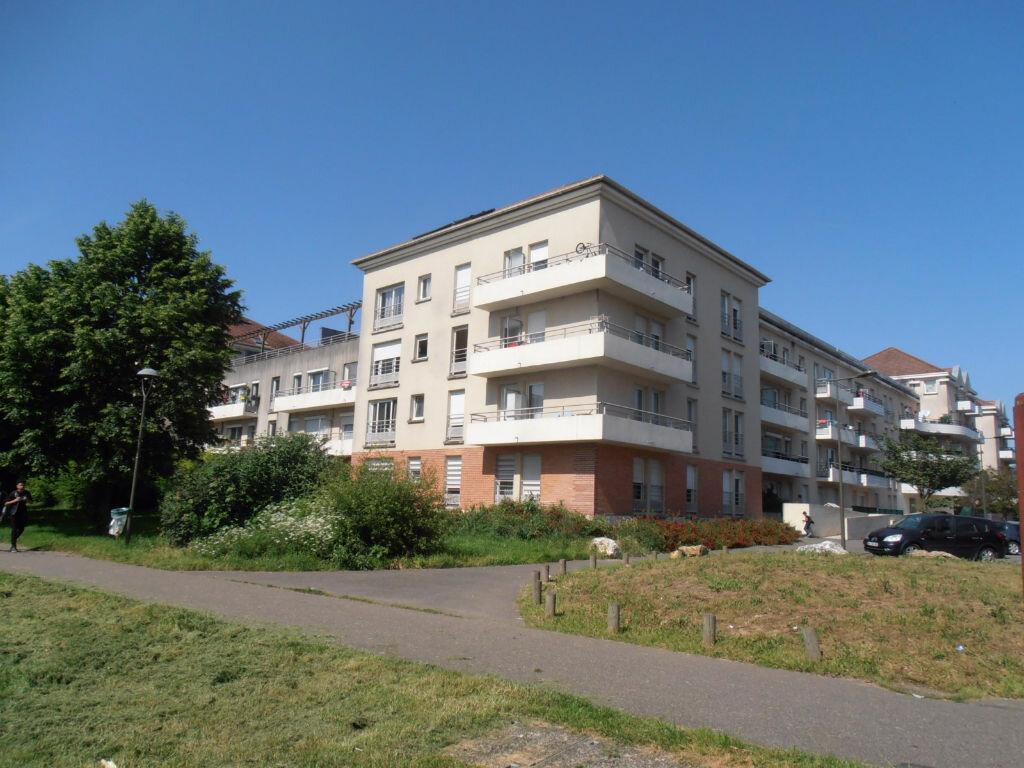 Achat Appartement 2 pièces à Savigny-le-Temple - vignette-1