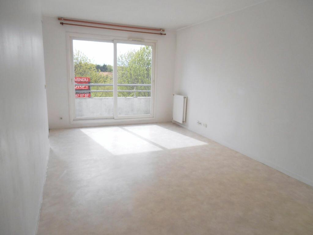 Achat Appartement 2 pièces à Savigny-le-Temple - vignette-4