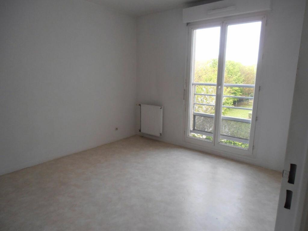 Achat Appartement 2 pièces à Savigny-le-Temple - vignette-5