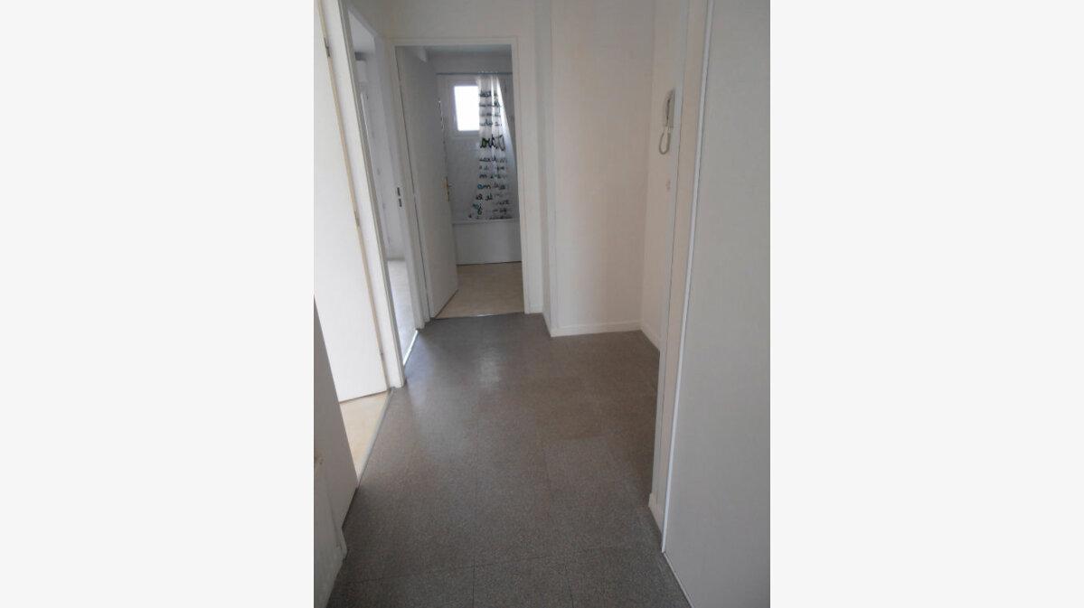 Achat Appartement 2 pièces à Savigny-le-Temple - vignette-11