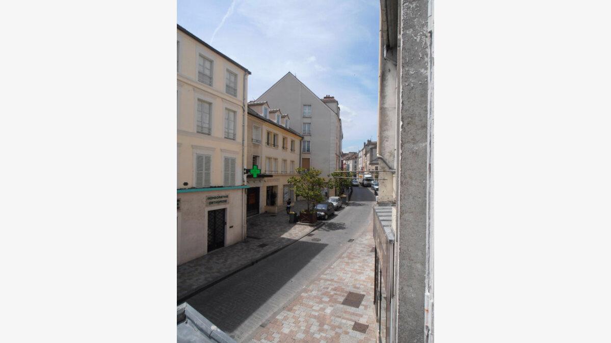 Location Appartement 1 pièce à Melun - vignette-1