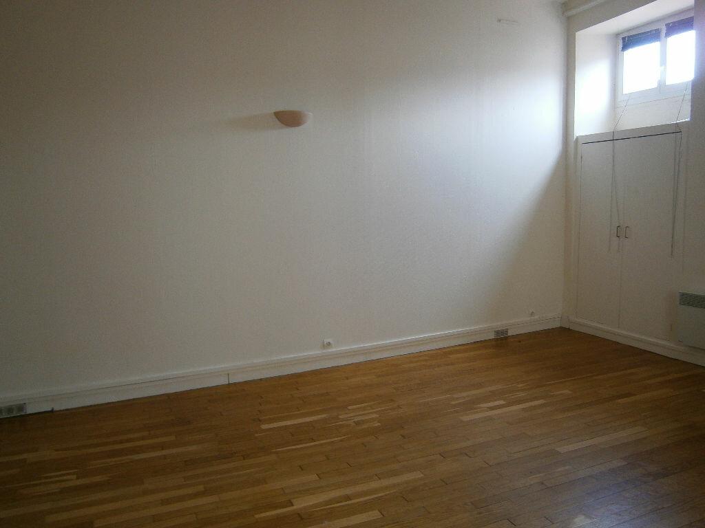 Location Appartement 1 pièce à Melun - vignette-2