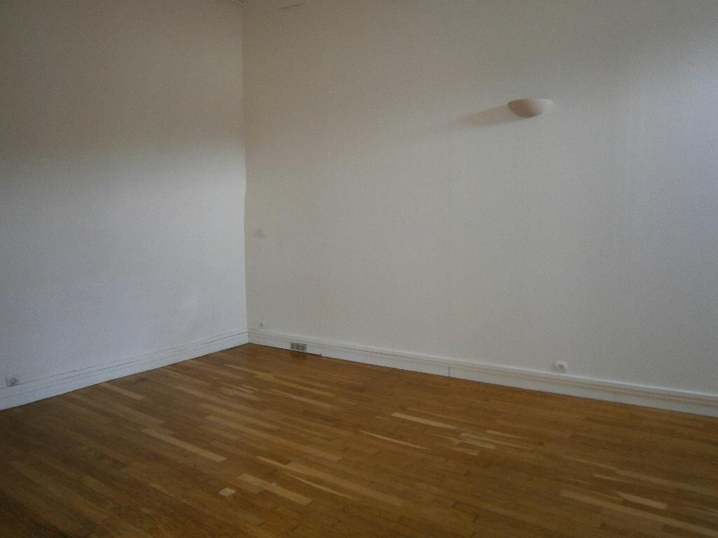Location Appartement 1 pièce à Melun - vignette-3