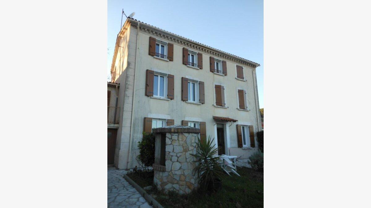 Location Appartement 1 pièce à Carnoules - vignette-1