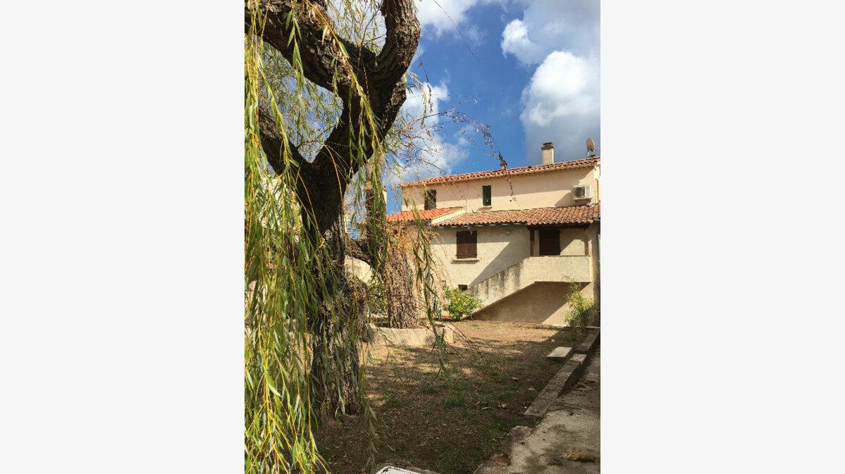 Location Appartement 3 pièces à Carnoules - vignette-1