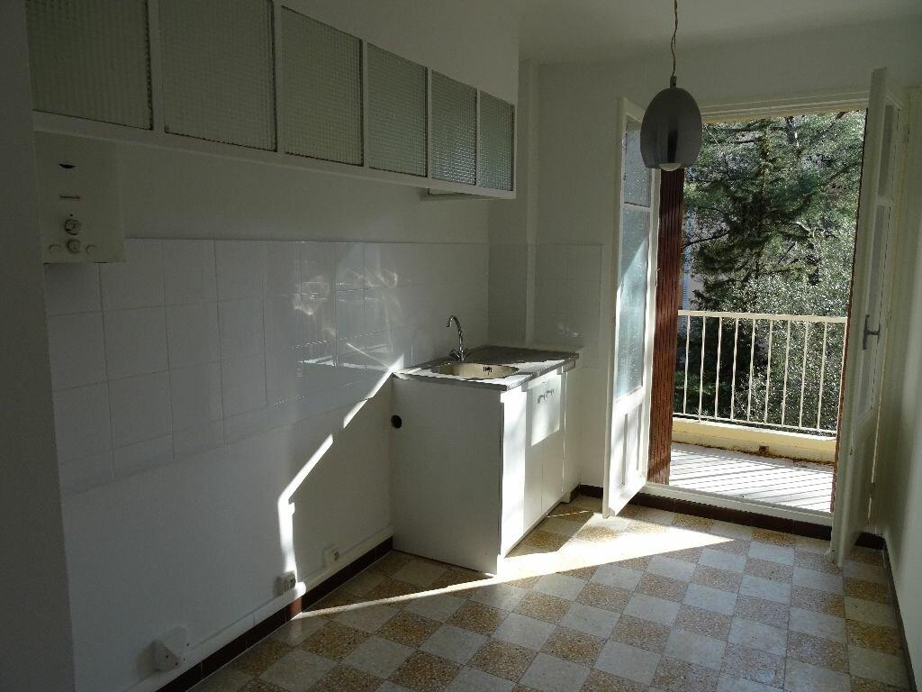 Achat Appartement 2 pièces à Toulon - vignette-2