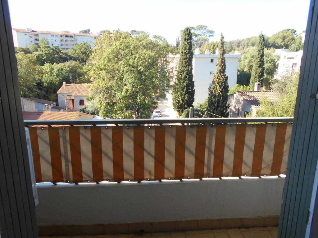 Achat Appartement 4 pièces à Toulon - vignette-2