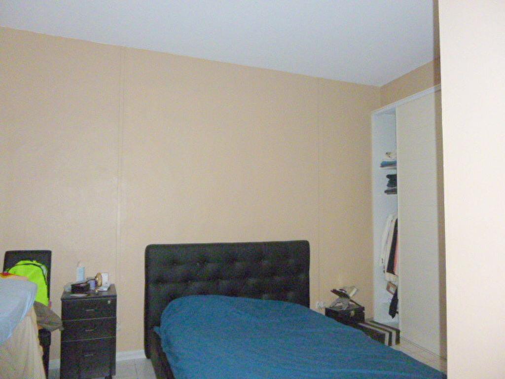 Achat Appartement 3 pièces à Toulon - vignette-4