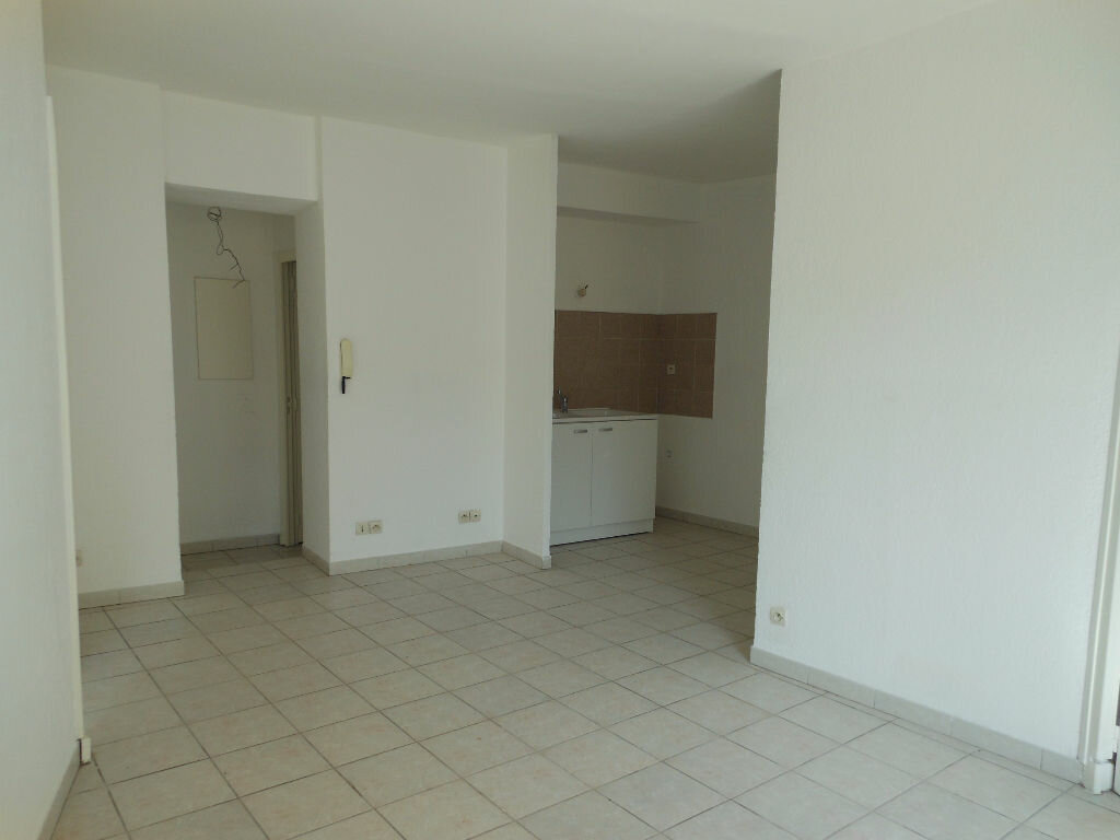 Location Appartement 3 pièces à Hyères - vignette-1