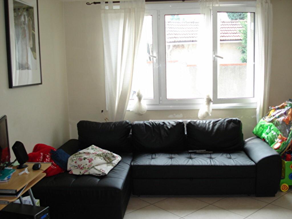 Achat Appartement 3 pièces à Goussainville - vignette-2
