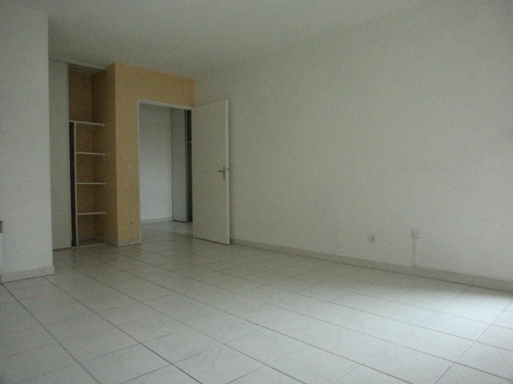 Achat Appartement 2 pièces à Goussainville - vignette-2