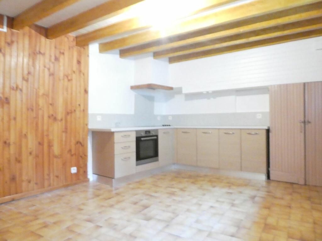 Location Maison 3 pièces à Serdinya - vignette-1