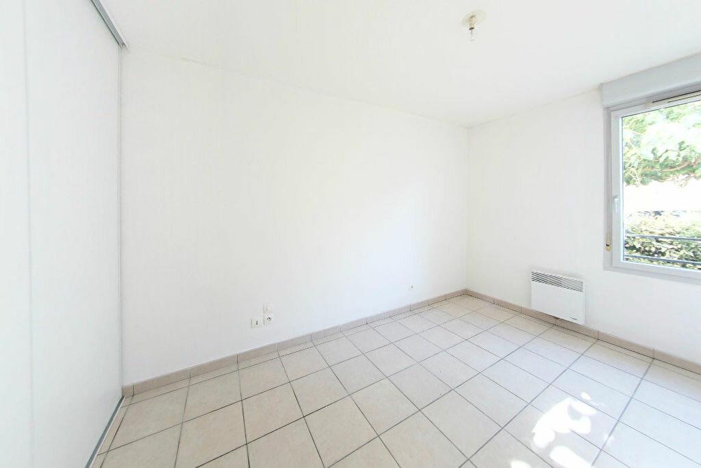 Achat Appartement 3 pièces à Saint-Estève - vignette-2