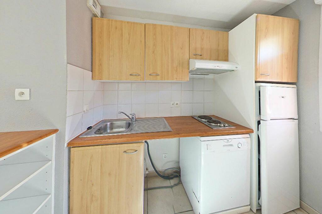 Achat Appartement 3 pièces à Saint-Estève - vignette-3