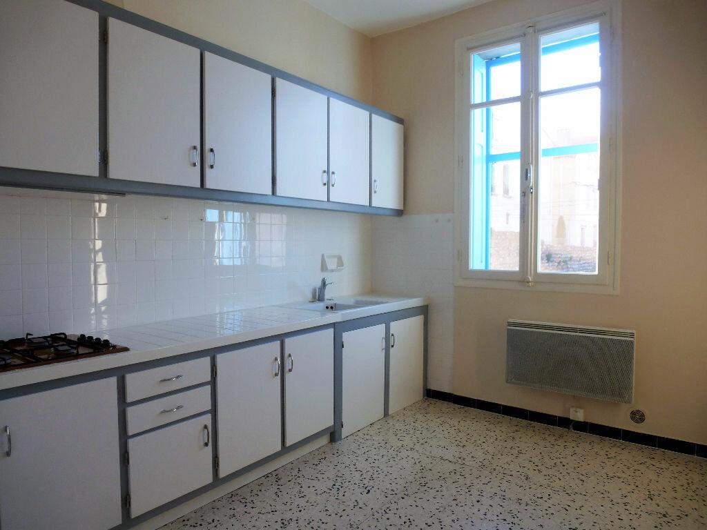 Location Maison 4 pièces à Saint-Féliu-d'Avall - vignette-1